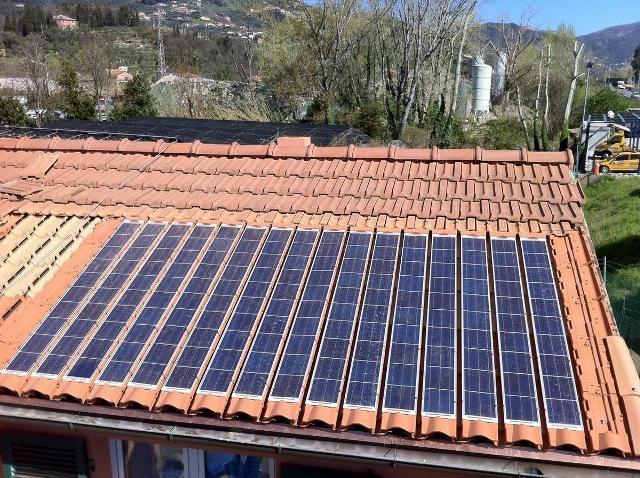 IMPIANTO N° 3 - Impianto Fotovoltaico da 2,0 kWp - con tegole fotovoltaiche
